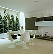 Saarinen Tulip table and Knoll chairs, UK - 60423-30-1