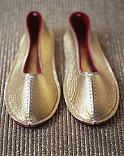 Gold Christmas slippers - 31690-200-1