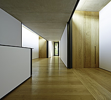 View of the hallway with black and white walls and minimal decoration - 15545-250-1