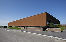 The new sports hall for Campus Ringsted, south of Copenhagen utilizes the enormous potential to orchestrate various functions in one contemporary arch... - 16247-120-1