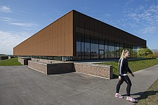 The new sports hall for Campus Ringsted, south of Copenhagen utilizes the enormous potential to orchestrate various functions in one contemporary arch... - 16247-150-1