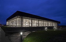 The new sports hall for Campus Ringsted, south of Copenhagen utilizes the enormous potential to orchestrate various functions in one contemporary arch... - 16247-260-1