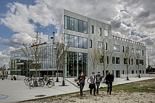 Roskilde Technical School (RTS) is an educational institution with 3,000 students and 350 employees - 16248-120-1