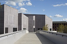 The Hepworth Gallery in Wakefield, UK - 16264-100-1