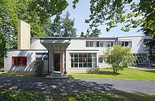 Driveway and main entrance to modernist, Bauhaus style house by Hans Scharoun 1930-33, after 2012 renovation, Lusatia, Germany - 40085-1270-1