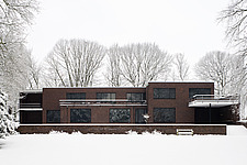 Snow covered garden and facade of modernist, Bauhaus style house built by Mies van der Rohe 1928-30, Krefeld, Germany - 40085-100-1