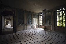 a room in an abandoned castle in France - ARC101306