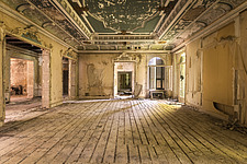 a room in the abandoned Villa Minetta in Italy - ARC101516