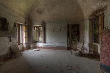 a room in an abandoned villa in Belgium - ARC101523
