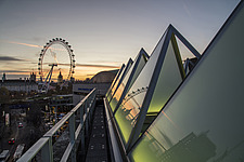 The roof of the newly refurbished Hayward Gallery, a world-renowned contemporary art gallery and landmark of Brutalist architecture on London's South... - ARC102058