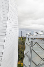 View of the Eiffel Tower from the Fondation Louis Vuitton by Frank Gehry completed in 2014 - ARC105640