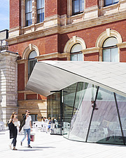 Courtyard and cafe, Exhibition Road Quarter at the Victoria and Albert Museum, London UK - ARC106528