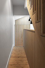 Hallway and bespoke timber staircase - ARC107696