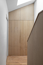 Hallway and bespoke timber staircase - ARC107698