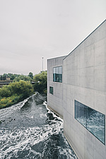 The Hepworth Wakefield, a purpose built art gallery on the banks of River Calder, south of Wakefield city centre, England, UK, which is named after th... - ARC108089